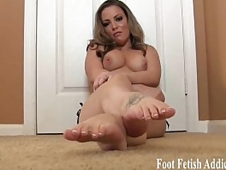 I want you to cum all over my feet