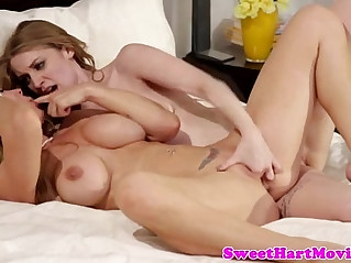 Sexy lesbian babe lick and finger pussy