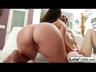 Lola foxx invites nerdy jay taylor to pleasure her pussy